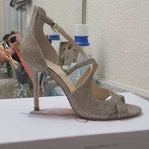 7.5 gold high heels (Jessica Simpson)